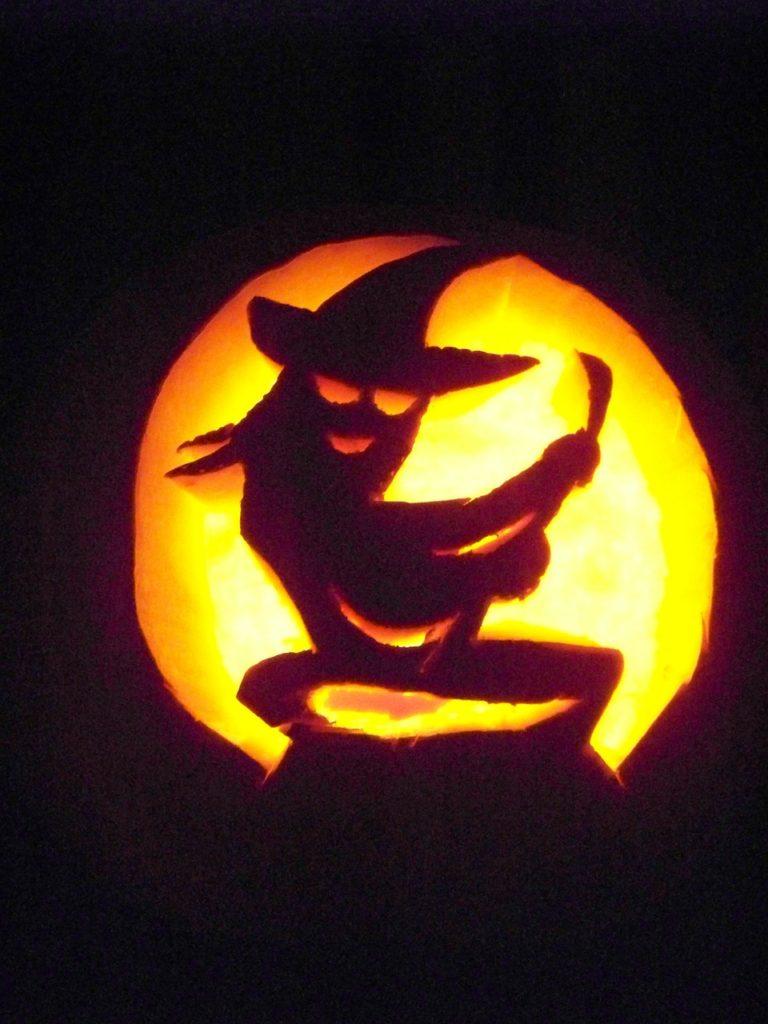 Halloween tök boszorkány faragott